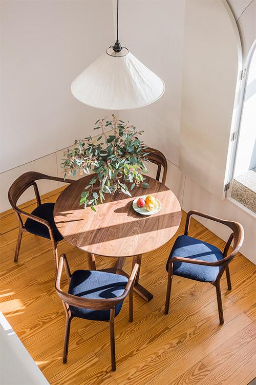 vert_de-la-espada-apartment-at-flattered-porto-photo-by-carlos-teixeira-13