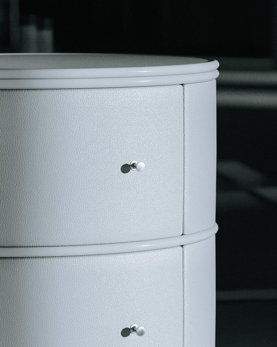 verticalside-table-upholstered-02